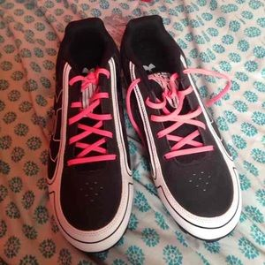 softball shoes
